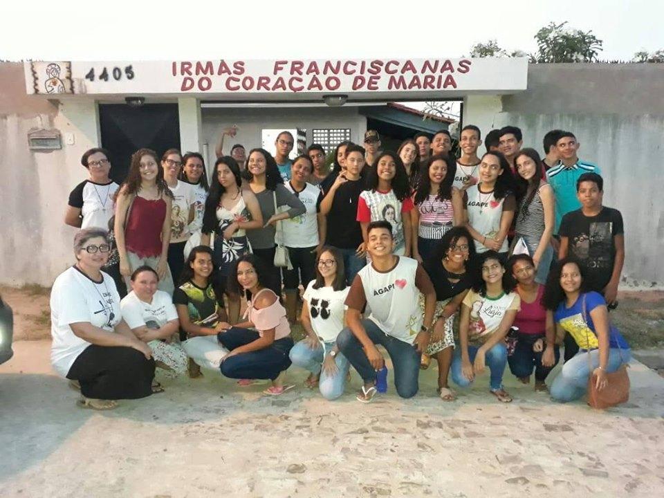 Visita dos catequizandos da Paróquia Santa Luzia- Parnaíba/PI à Fratenidade
