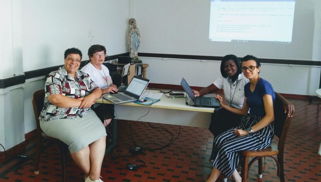 Reunião da Comissão Missão, encaminhando proposta de ação do Projeto Missionário da Congregação